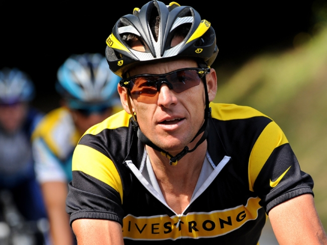 Lance Armstrong Tweets for Biking Buddies