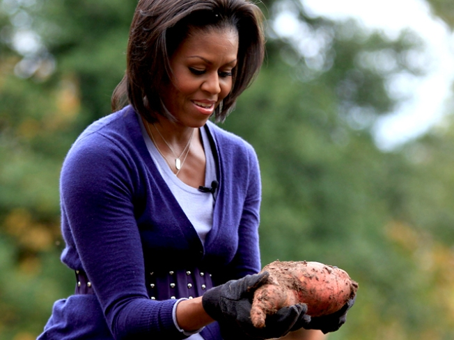 """First Lady's """"Iron Chef"""" Moment Arrives"""
