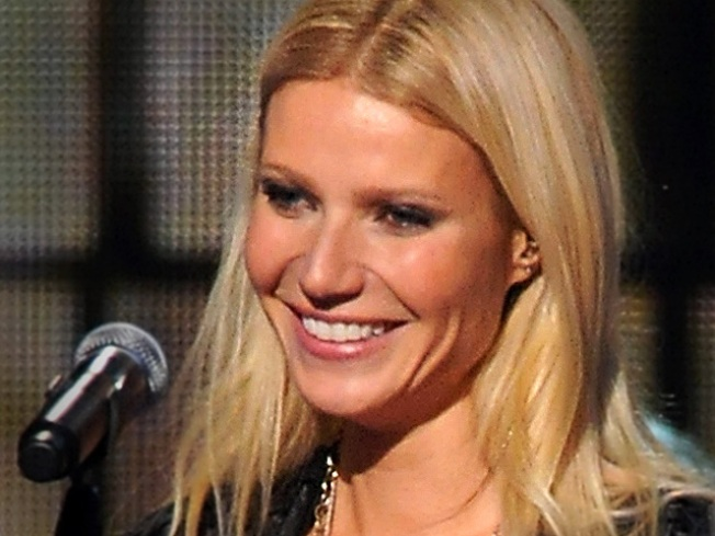 "Singing Gwyneth ""Glee"" Clips Hit the Web"