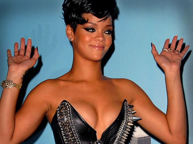 ROLL CALL: Rihanna's Staggering Mid East Pay Day