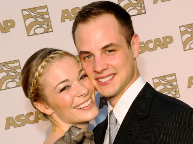 LeAnn Rimes Divorcing Husband