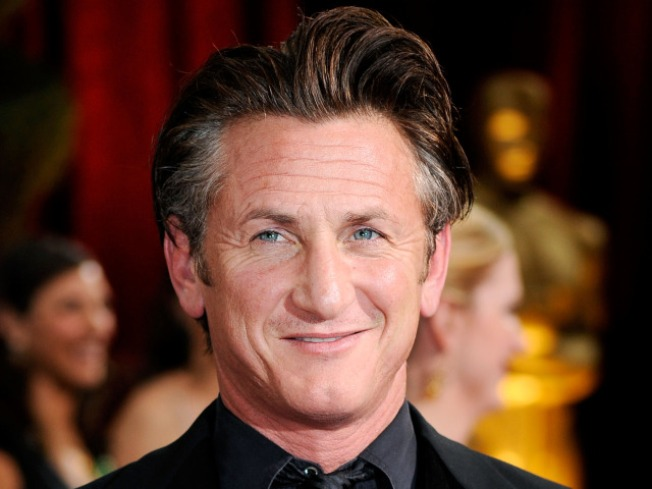 Sean Penn Witnesses Haiti Devastation, Shares Aid