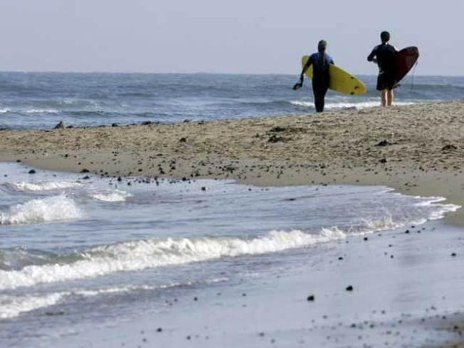 High Surf Could Bring 10-Ft Waves