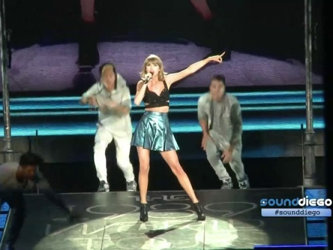 "Taylor Cracks Kanye Jokes on ""SNL"""