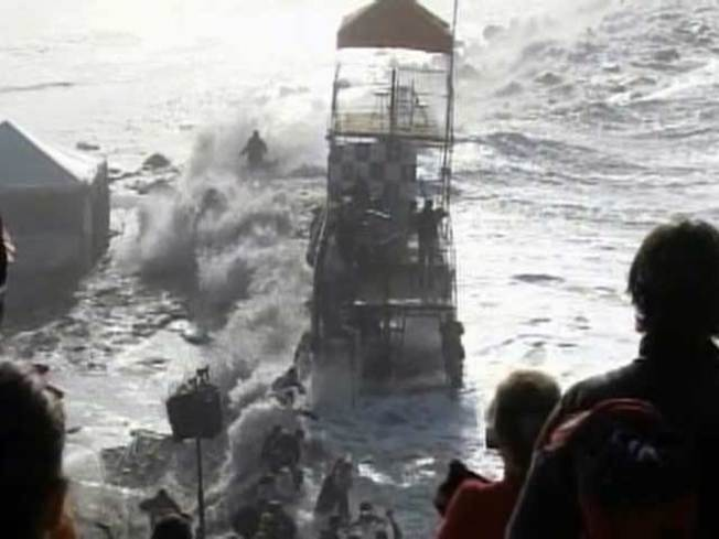 Caught on Video: Harrowing High Tide