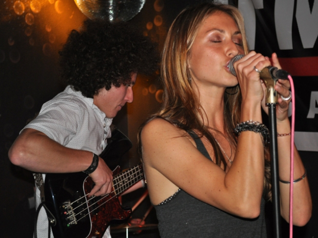 SoundDiego LIVE Rocks Bar Pink