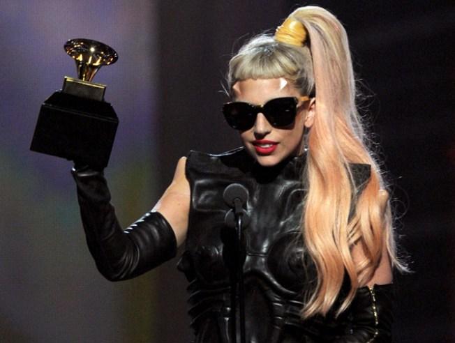 "Lady Gaga's ""Born This Way"" Smashes iTunes Records"