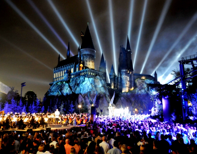 Muggles Storm Universal's New Harry Potter Theme Park