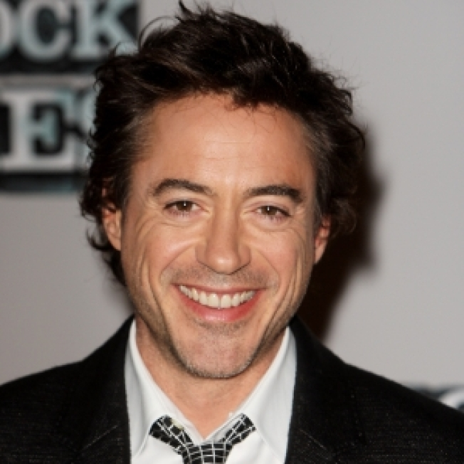 """Robert Downey Jr. Signs On For More """"Iron Man"""""""