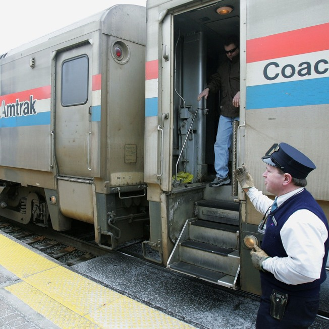 Train Traffic Halted for Morning Commute