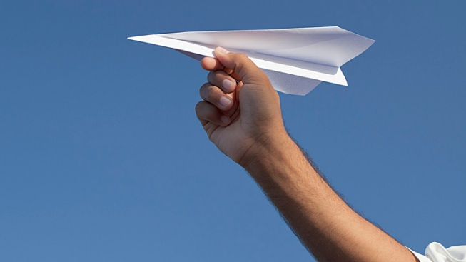 45-Foot Paper Airplane Sails in Ariz. Sky