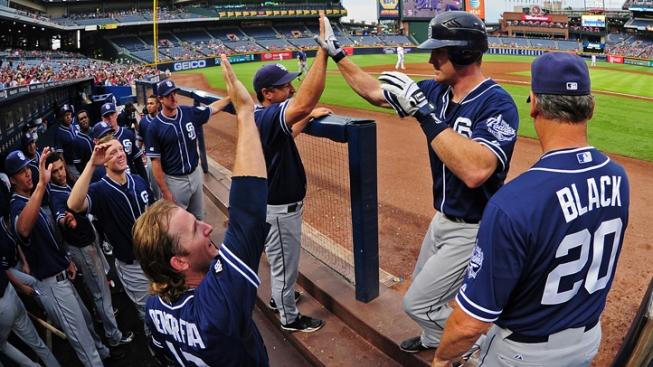 Red Hot Padres Sweep Diamondbacks