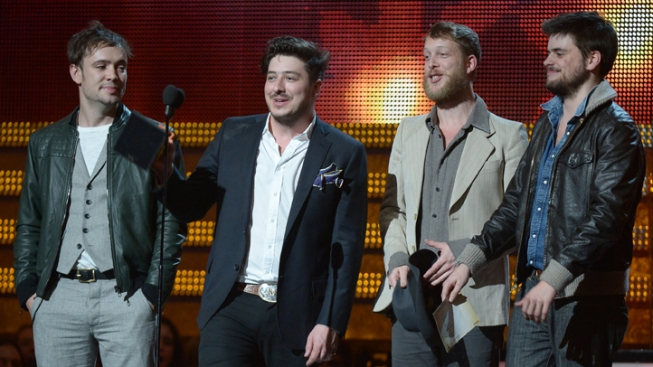 Mumford and Sons, The Cure to Play Lollapalooza