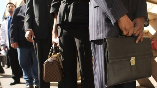 Jobless Claims Rise, Turnaround Not Near