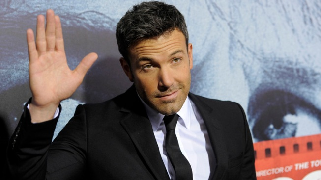 Ben Affleck Knocks Car Mirror Off Parked Car, Leaves a Note