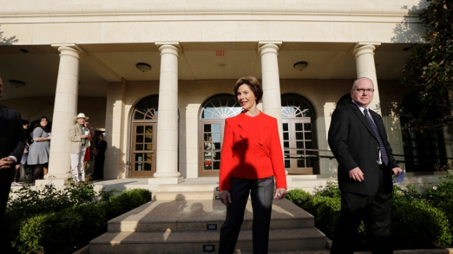Laura Bush Makes San Diego Appearance Despite Husband's Surgery