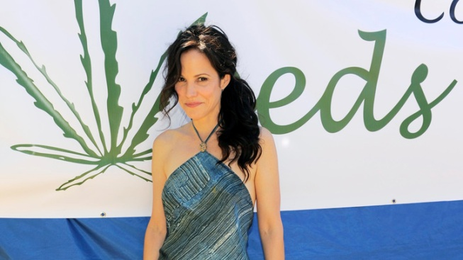 "After 8 Years, Showtime's ""Weeds"" Goes Up in Smoke"