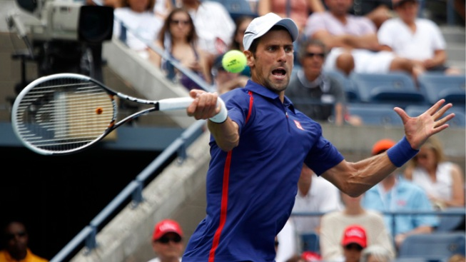 Djokovic Makes Quick Work of Benneteau