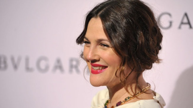 Drew Barrymore to Host GLAAD Awards
