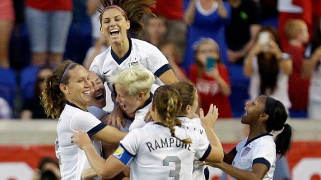 Abby Wambach Breaks Mia Hamm's Career Goals Record