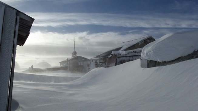 A Famous Ghost Town Readies for Winter