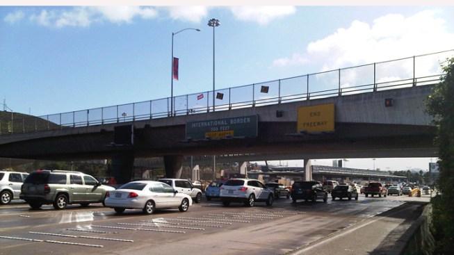 Ex-LAPD Manhunt Snarls Local Border Traffic
