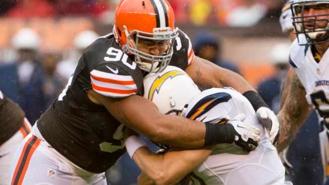 Browns Edge Chargers 7-6 in Rough Weather