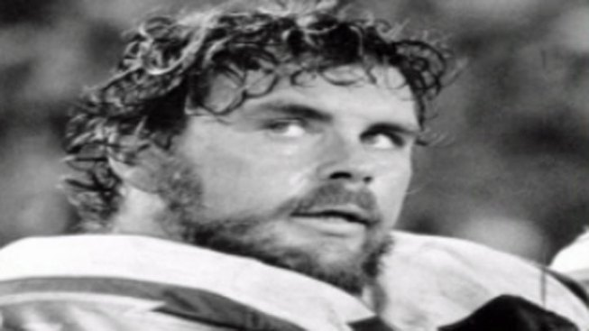 Chargers All Pro Guard Walt Sweeney Dies