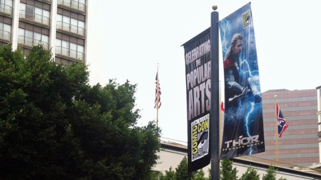 "Hunky Hero ""Thor"" Owns the Streets of San Diego"