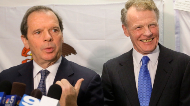 Illinois Lawmakers Sue Governor Over Paycheck