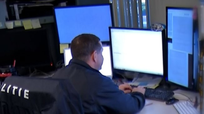 Go Inside FBI Crime Lab Catching Criminals with Technology