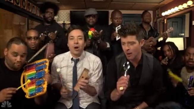 """WATCH: Fallon & Robin Thicke Cover """"Blurred Lines"""" With Kids' Instruments"""