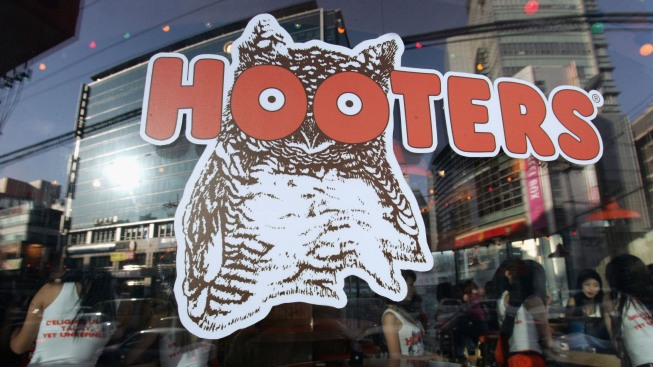 Settlement Reached in Hooters Sexual Harassment Lawsuit