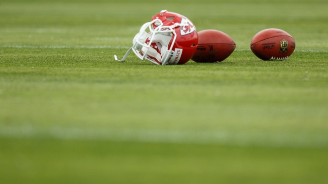Police: Chiefs Player Killed Girlfriend, Then Self