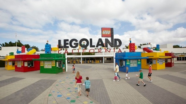 Legoland to Open New 'Star Wars: The Force Awakens' Display Thursday