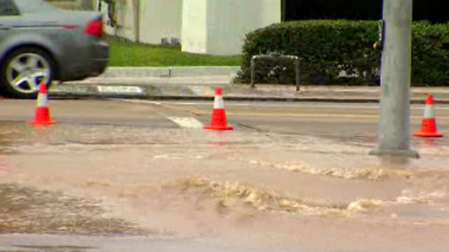 Midway District Main Break Leaves Businesses Without Water