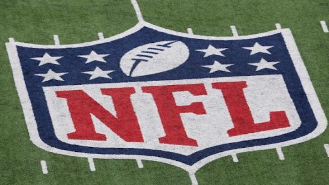 Ex-Players Accuse NFL of Illegally Distributing Painkillers