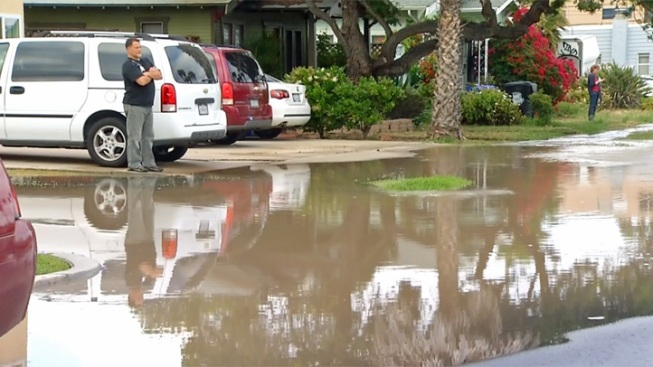Water Main Break Floods North Park Street