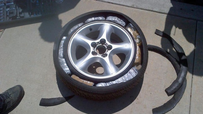 3 Arrested After Drugs Found in Tire