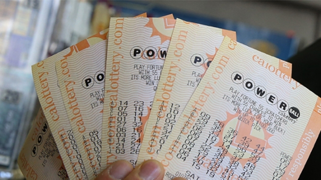 """No Winner in """"Powerball"""" Drawing, Jackpot Jumps to $400M"""