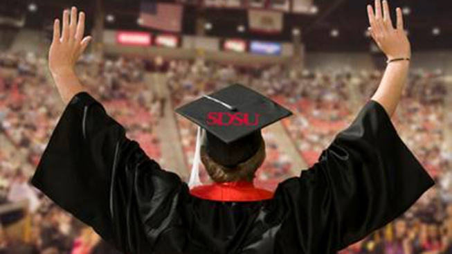 9,000+ Students to Graduate From SDSU
