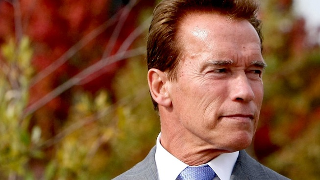 "Schwarzenegger's ""Total Recall"" Memoir Due Out in 2012"