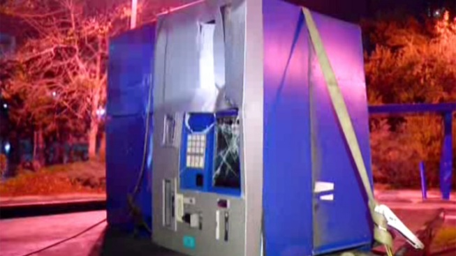 Thieves Attempt to Steal ATM: FBI