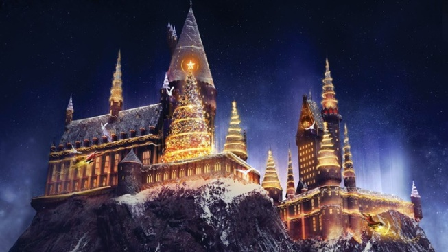 Christmas in June: New Holiday Hogwarts Lights