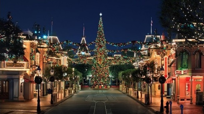 Dates Announced: Disneyland Holidays
