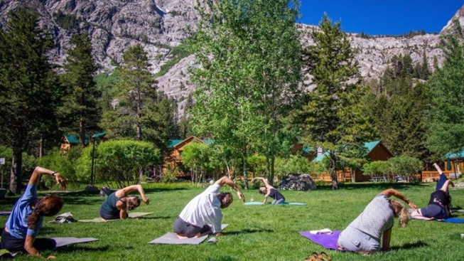 Double Eagle Resort: Free Alfresco Yoga