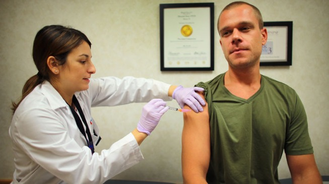 Experts Recommend Flu Shots for Healthcare Workers