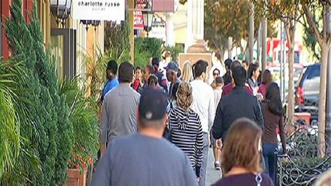 0771a79ca1 Las Americas Premium Outlets draw crowds from America and Mexico