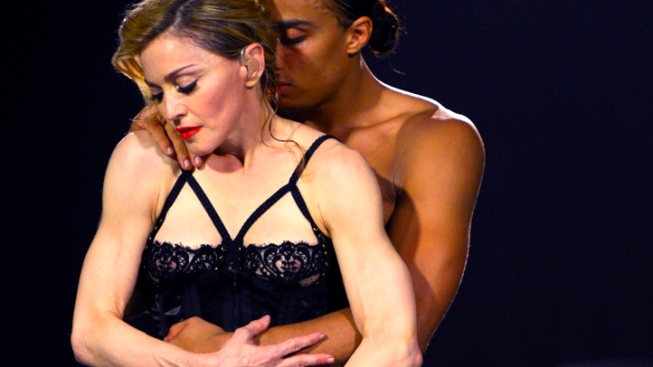 Madonna Bares Butt for Sandy Relief, Visits Storm Victims in New York City