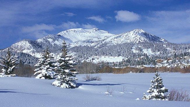 Mammoth Acquires 2 Popular Ski Resorts